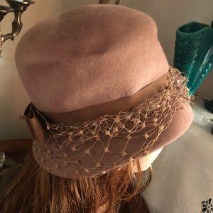 Vintage Glenover Camel Wool Hat